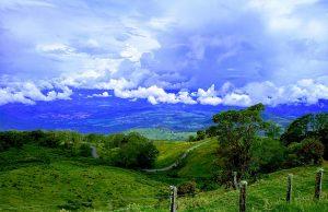 Foto que muestra una vista increíble del cantón de Turrialba en Cartago